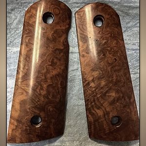 Spectacular Burl Turkish Walnut for your 1911